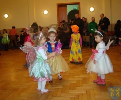 Karnawał przedszkolaków z Jedynki (13)