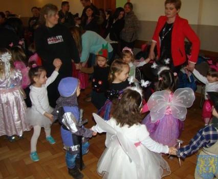 Karnawał przedszkolaków z Jedynki (15)