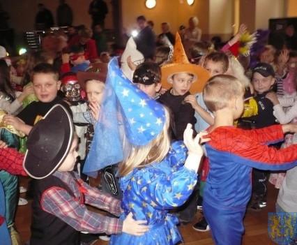 Karnawał przedszkolaków z Jedynki (7)