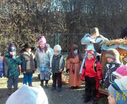 Wspólne kolędowanie z przedszkolakami (10)