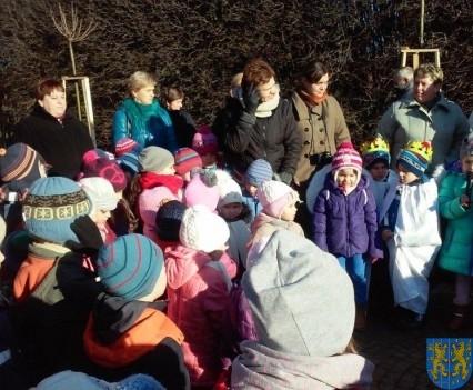 Wspólne kolędowanie z przedszkolakami (15)