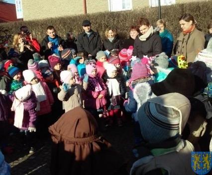 Wspólne kolędowanie z przedszkolakami (16)