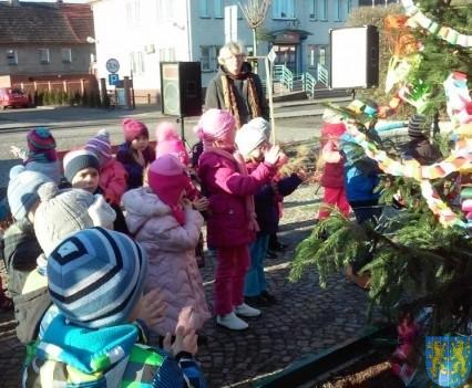 Wspólne kolędowanie z przedszkolakami (5)