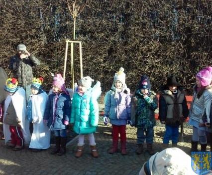 Wspólne kolędowanie z przedszkolakami (7)