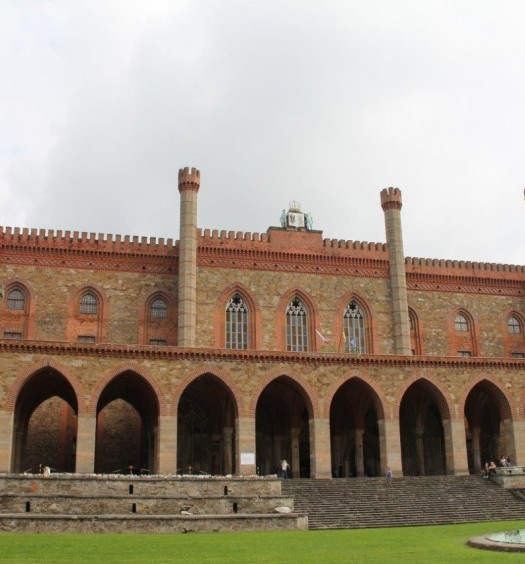Przetargi na kolejne etapy rewitalizacji Pałacu Marianny Orańskiej