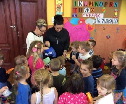Dzień Kobiet wśród przedszkolaków (10)