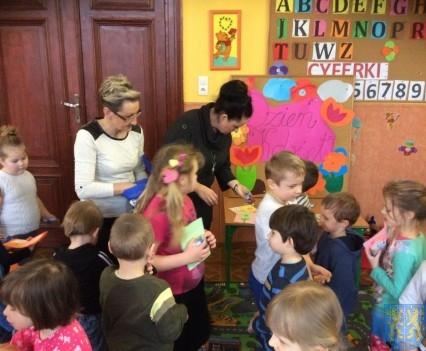 Dzień Kobiet wśród przedszkolaków (11)