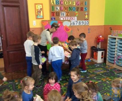 Dzień Kobiet wśród przedszkolaków (2)