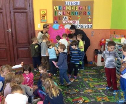 Dzień Kobiet wśród przedszkolaków (3)