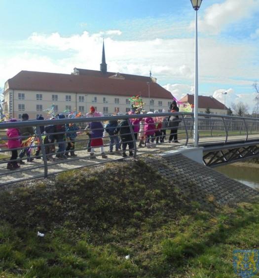 Przedszkolaki witają  wiosnę (16)