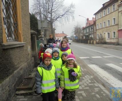 Korzyści płynące z przebywania dzieci na świeżym powietrzu (10)