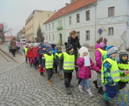 Korzyści płynące z przebywania dzieci na świeżym powietrzu (13)