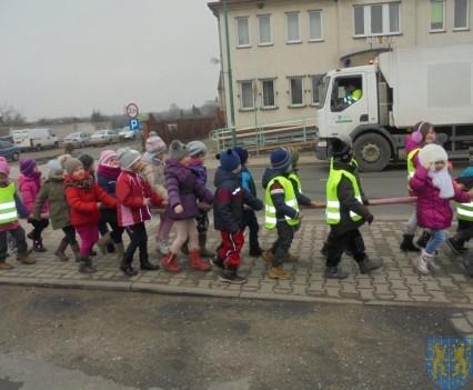 Korzyści płynące z przebywania dzieci na świeżym powietrzu (15)
