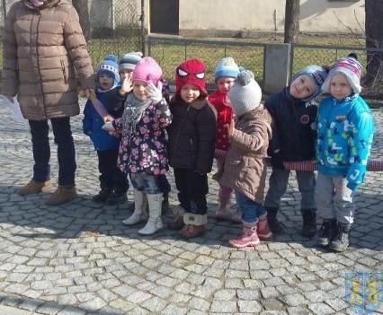 Korzyści płynące z przebywania dzieci na świeżym powietrzu (3)