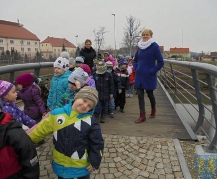 Korzyści płynące z przebywania dzieci na świeżym powietrzu (7)