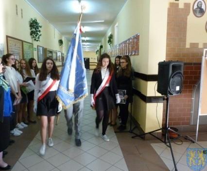 Majowe świętowanie w kamienieckim gimnazjum (1)