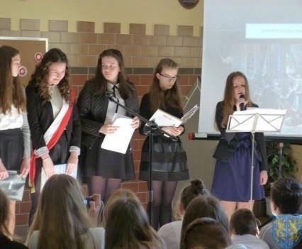 Majowe świętowanie w kamienieckim gimnazjum (12)