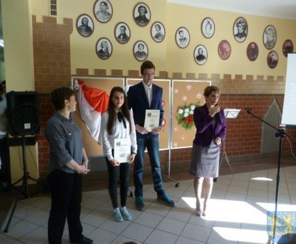 Majowe świętowanie w kamienieckim gimnazjum (15)