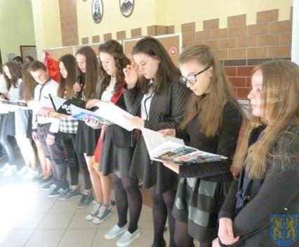 Majowe świętowanie w kamienieckim gimnazjum (4)