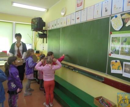 Przedszkolaki poszły do szkoły (11)