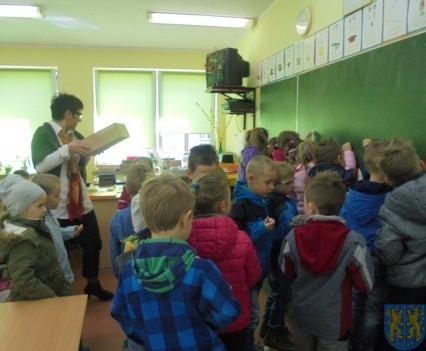 Przedszkolaki poszły do szkoły (13)