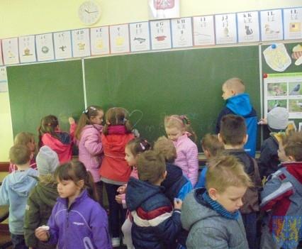 Przedszkolaki poszły do szkoły (14)