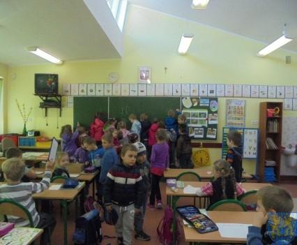 Przedszkolaki poszły do szkoły (16)