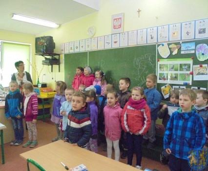 Przedszkolaki poszły do szkoły (19)