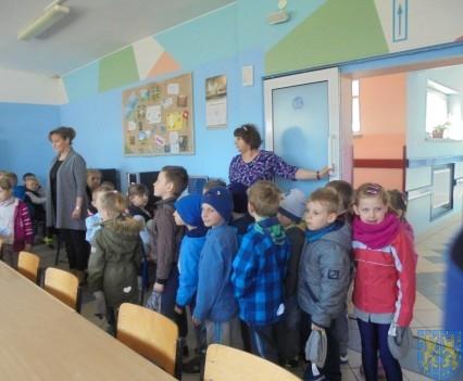 Przedszkolaki poszły do szkoły (21)