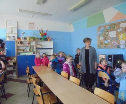 Przedszkolaki poszły do szkoły (22)