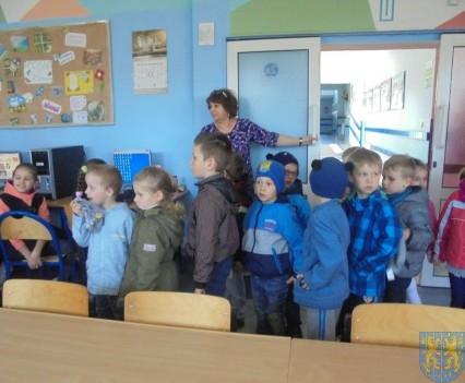Przedszkolaki poszły do szkoły (23)