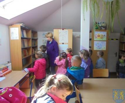 Przedszkolaki poszły do szkoły (25)