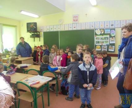 Przedszkolaki poszły do szkoły (35)