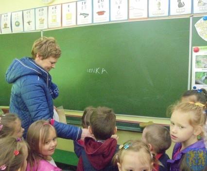 Przedszkolaki poszły do szkoły (36)