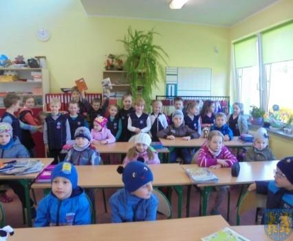 Przedszkolaki poszły do szkoły (5)