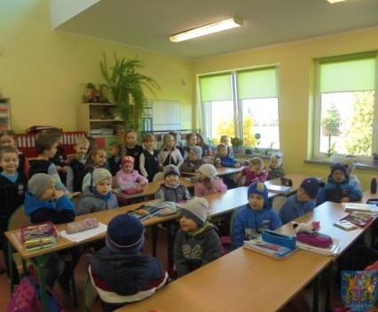 Przedszkolaki poszły do szkoły (6)