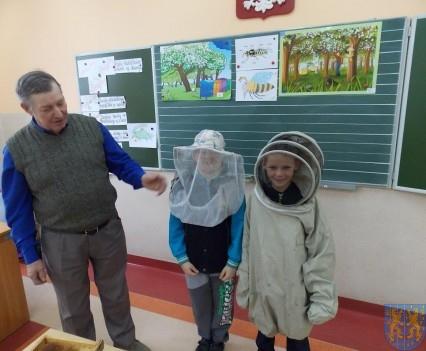 Spotkanie z pszczelarzem (8)