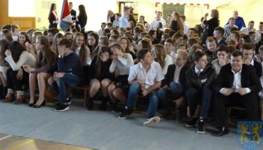 Mickiewicz – uczy i bawi / dzień Patrona Gimnazjum