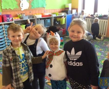 Zimowe zabawy przedszkolaków (1)