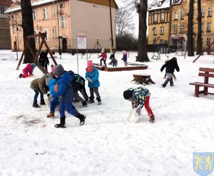 Zimowe zabawy przedszkolaków (11)