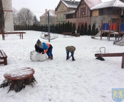 Zimowe zabawy przedszkolaków (14)