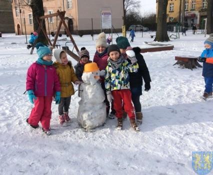 Zimowe zabawy przedszkolaków (7)
