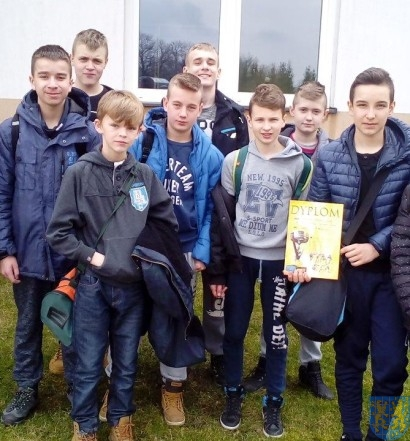 Drużyna chłopców trzecim zespołem powiatu (1)