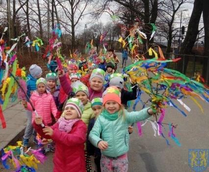 Wiosenne zwyczaje czyli pożegnanie zimy i powitanie wiosny (15)