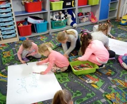 Międzynarodowy Dzień Książki wśród przedszkolaków (12)