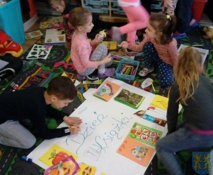 Międzynarodowy Dzień Książki wśród przedszkolaków (18)