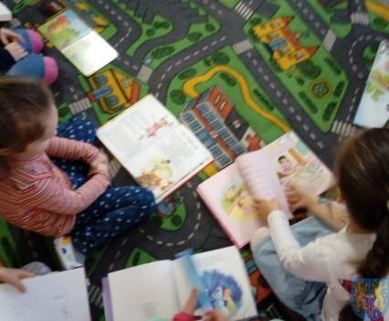 Międzynarodowy Dzień Książki wśród przedszkolaków (2)