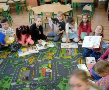 Międzynarodowy Dzień Książki wśród przedszkolaków (4)