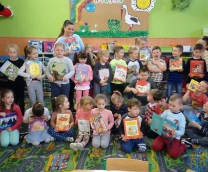 Międzynarodowy Dzień Książki wśród przedszkolaków (9)