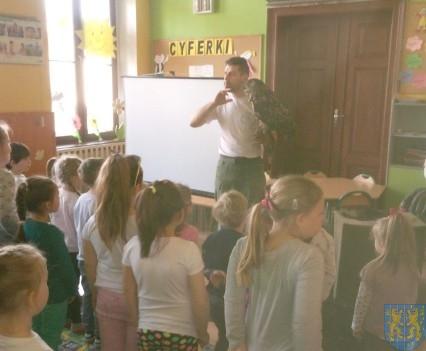 Dzikie zwierzątka z wizytą w  przedszkolu (10)